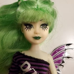🌺 3/25 punk rock styled doll with wing